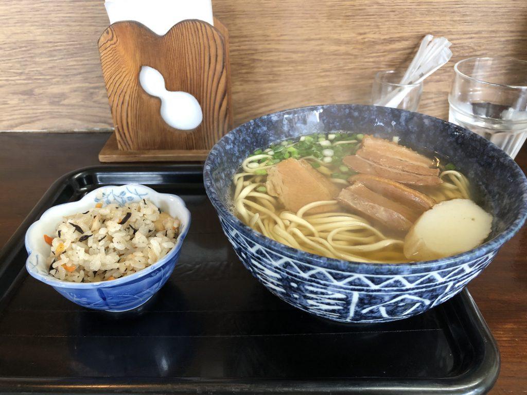 沖縄そば(並)600円
